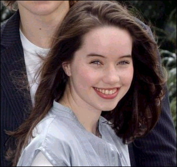 File:AnnaPopplewell.jpg