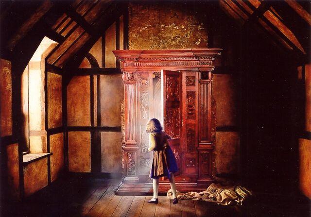 File:NarniaWardrobe.jpg