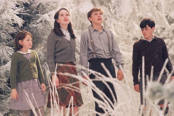 File:Pevensies narnia winter.jpg