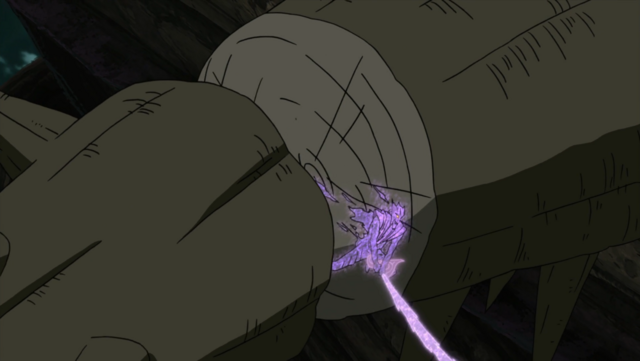 File:Sasuke cuts a part of Shinju.png