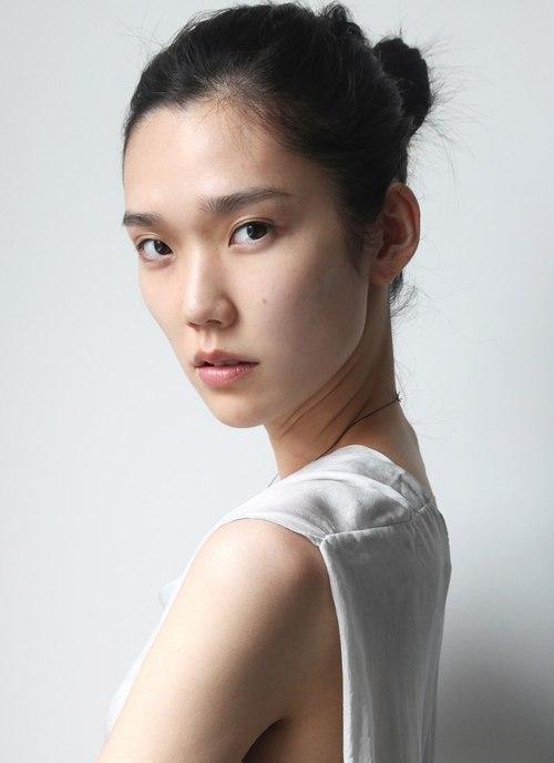 models asian nude bending