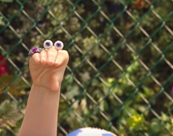File:Oobi Uma Noggin Nick Jr. TV Series 9.png