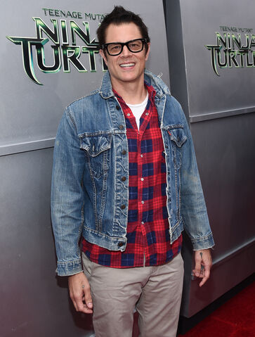 File:Movies-tmnt-premiere-johnny-knoxville.jpg