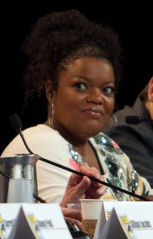 File:Yvette Nicole Brown.jpg