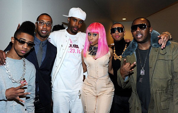 File:Nicki-minaj-young-money-crew-pg257949.jpg