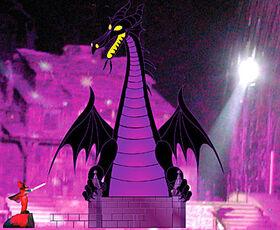 Disneyland-Maleficent-dragon-debut-delayed-dragon-400