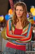 Marissa-Cooper-the-oc-5006017-400-614