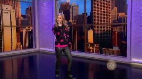 "Olivia Holt - Performing ""Had Me At Hello"" on WCL (November 16, 2012)-0"
