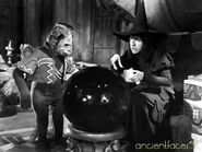 Flying-monkey-with-wicked-witch-wizard-of-oz-416597