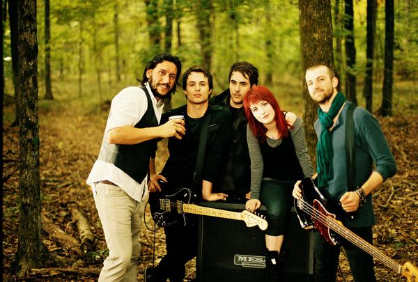 PARAMORE chords | E-Chords.com