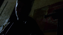 1x09 - Reese shadows.png