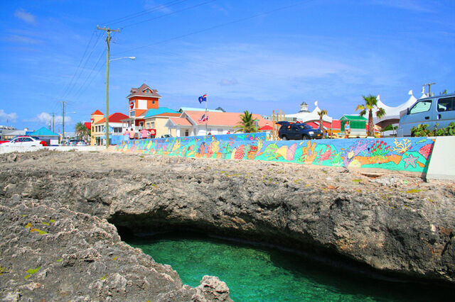 File:Waterfront, George Town, Grand Cayman.jpg