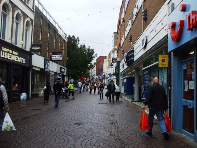 File:Ramsgate High Street - geograph.org.uk - 980555.jpg