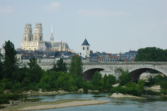 File:France Orleans Cathedrale Pont Georges V 01.JPG