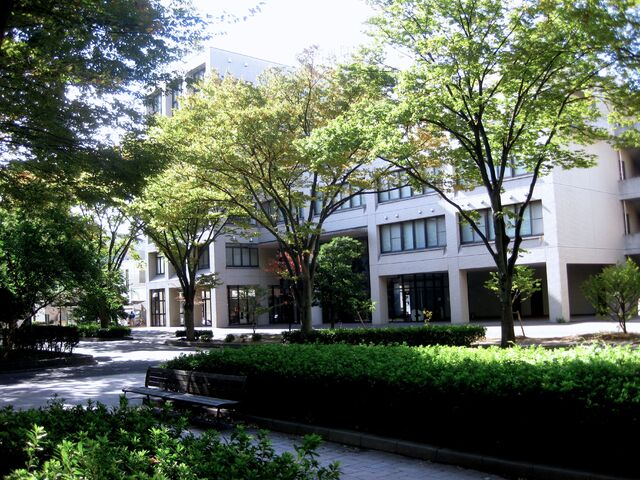 File:Beautiful Saitama campus.jpg
