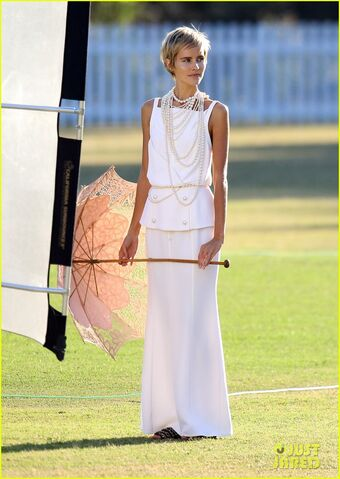File:Isabel-lucas-rocks-numerous-outfits-for-photo-shoot-03.jpg