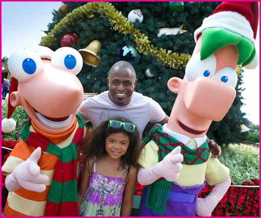 File:Wayne-Brady-Dise-And-Ferb.jpg