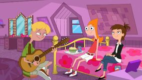 Jeremy singing to Candace and Lucy