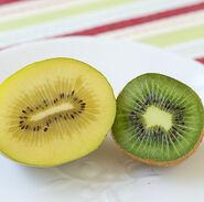 Gold-Green-Kiwi-cut-open