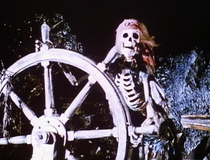http://vignette4.wikia.nocookie.net/pirates/images/1/1b/POTCRideSkeletonShipsWheel.jpg/revision/latest?cb=20120211203517
