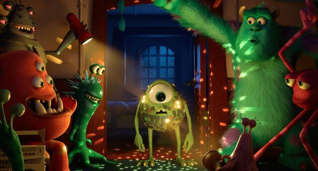 File:Monsters University Wallpaper.jpg
