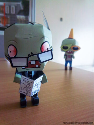 File:Plant vs Zombie Papercraft Newspaper Zombie 6.jpg
