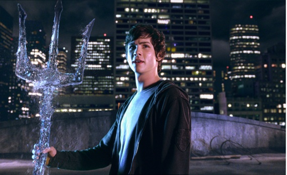 File:Percy-Jackson-and-The-Olympians-Percy-Holds-Poseidons-Trident-4-2-10-kc.jpg