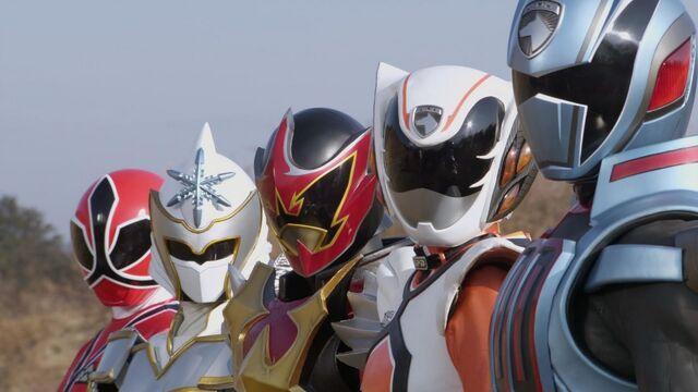 File:5 Extra Rangers.jpg