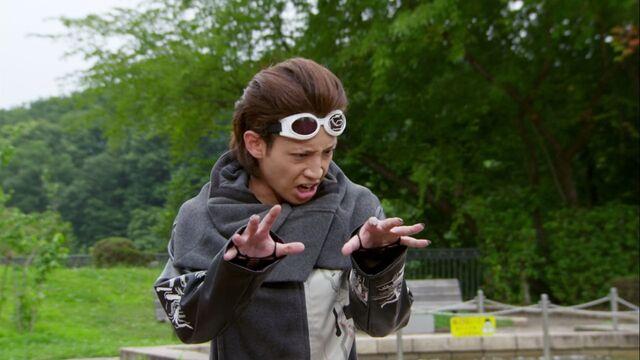 File:Ryuji as Enter.jpg