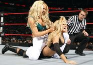 Kelly vs Jillian RAW 5.1.09