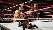 October 19, 2015 Monday Night RAW.45