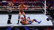 WWESUPERSTARS51211 18