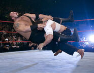 November 21, 2005 Raw.35