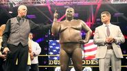 Dusty Rhodes statue unveiled at Axxess.6