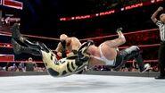 11.21.16 Raw.35