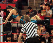 No Way Out 09 Phoenix vs. Melina 003