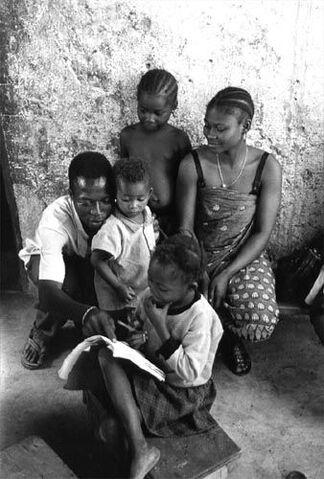 File:Family Ouagadougou.jpg