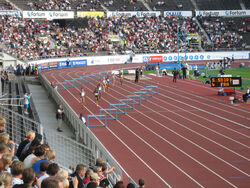 Naisten 400 m aidat
