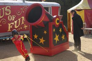 Circus, Circus (21)