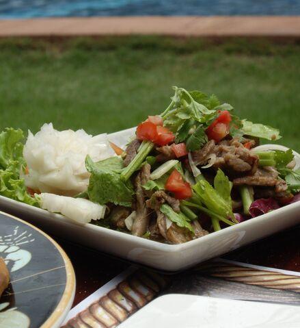 File:Thai Beef Salad 1.jpg