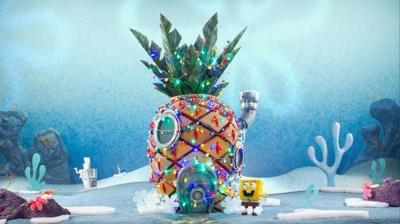 File:400px-SpongeBob decorating his house.jpg
