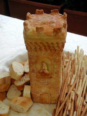 File:Bread.tower.jpg