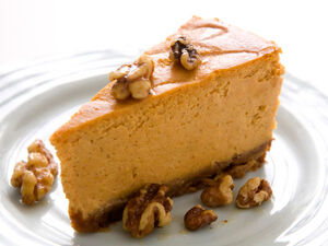 Pumpkin-cheesecake-with-honeyed-walnuts 456X342