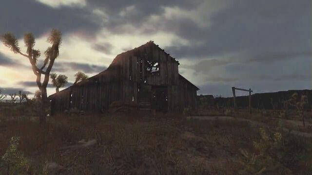 File:Rdr tumbleweed barn.jpg