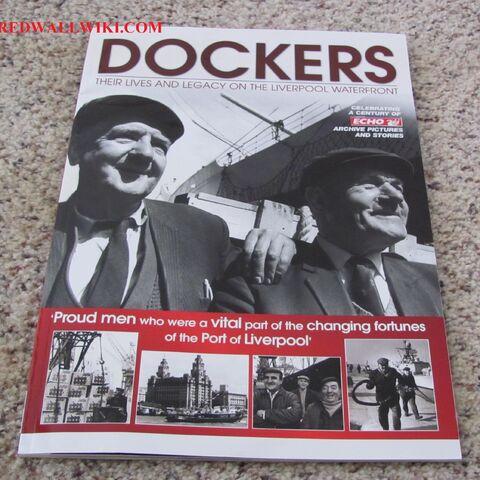 <i>Dockers</i>