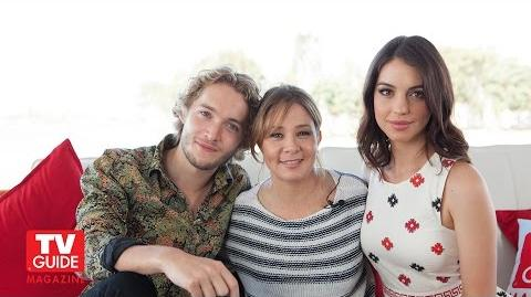 Reign @ Comic-Con 2014! Adelaide Kane! Megan Follows! Toby Regbo!