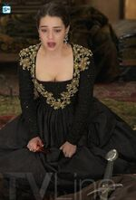 Reign-season-finale-photo FULL