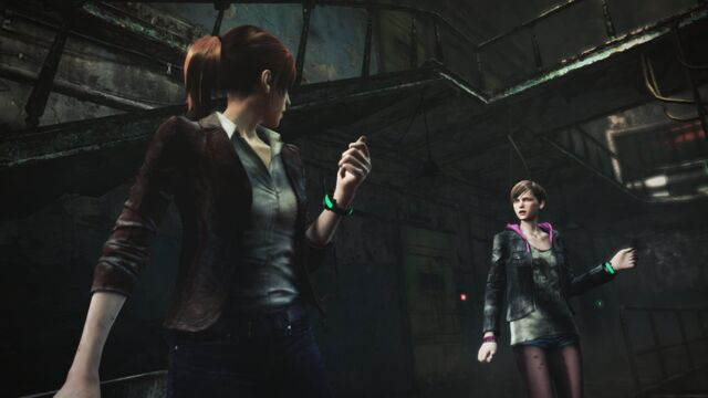 File:Resident Evil Revelations 2 screenshot - Overseer contacts Claire Redfield and Moira Burton.jpg