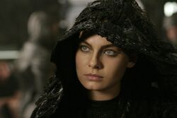 Still-of-alexa-davalos-in-the-chronicles-of-riddick-(2004)-large-picture