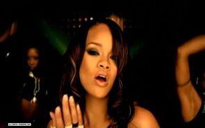 Rihannasosnikeversion3